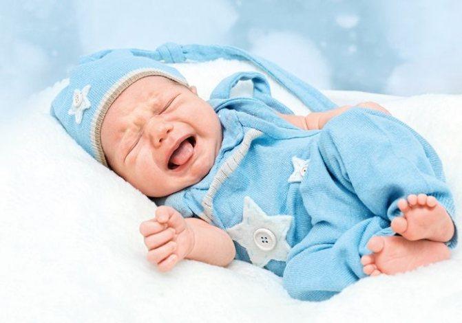 Почему капризничает новорожденный ребенок и что делать