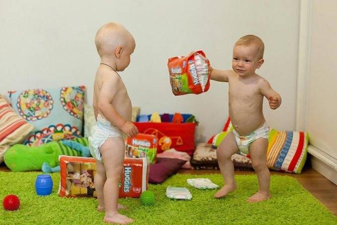Подгузники для мальчиков: вредны или нет, как выбрать и надеть?