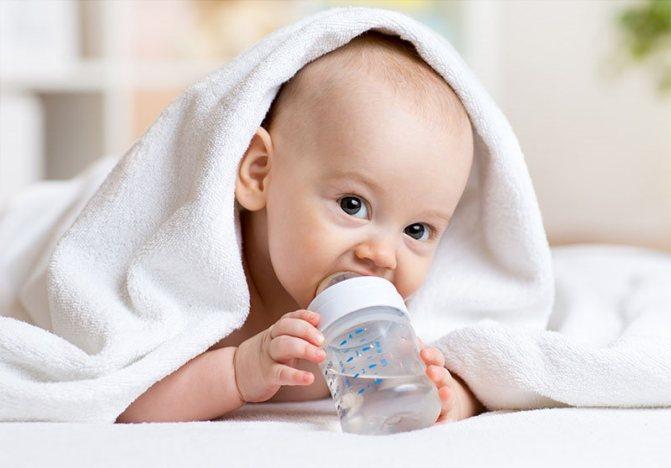 Грудное вскармливание и вода: нужно ли поить новорожденного ребенка