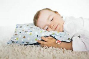 C какого возраста ребенку можно спать на подушке?