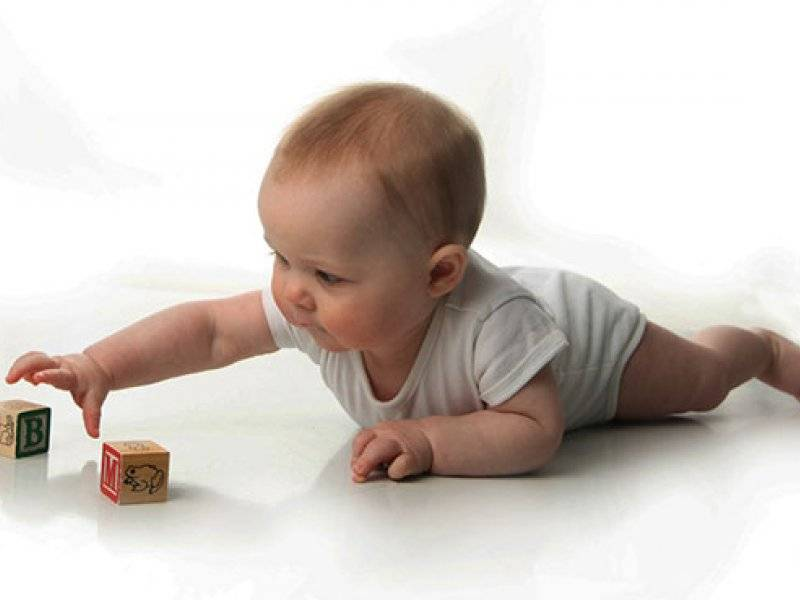 Занимательные часы для карапуза в 3 месяца, или как развивать ребенка в игровой форме