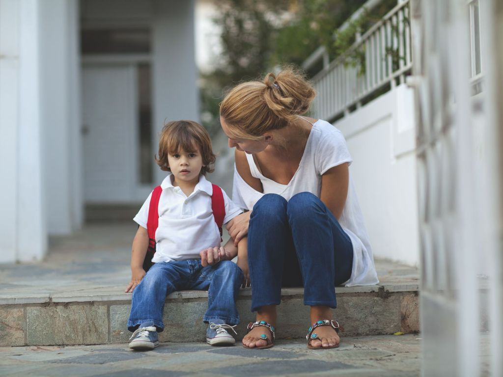 Ребенок плачет в садике: что делать? комаровский: адаптация ребенка в детском саду. советы психолога
