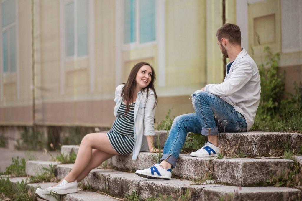 Какую модную и стильную одежду выбрать во время беременности