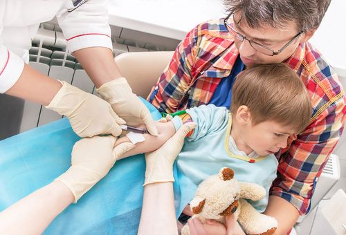 Ребенок боится сдавать анализ крови