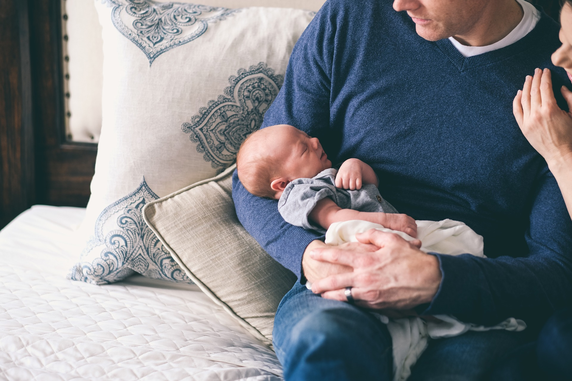 5 советов для молодого отца: что нужно делать после рождения ребенка