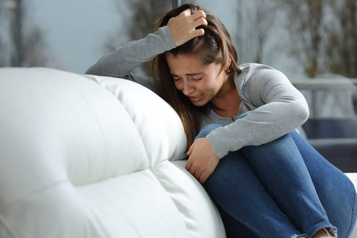 Как пережить развод с мужем: основные этапы переживаний, как пережить расставание, если есть дети или женщина беременна.