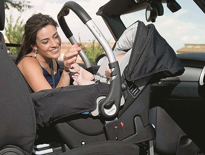 Как перевозить новорожденных в автомобиле? правила!