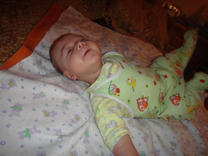 Когда ребенок начинает гулить и агукать?