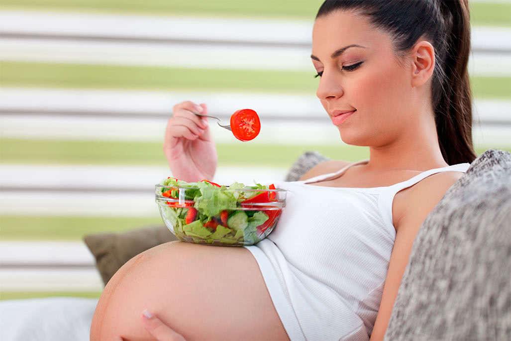 Вегетарианство во время беременности: насколько опасно для ребёнка?