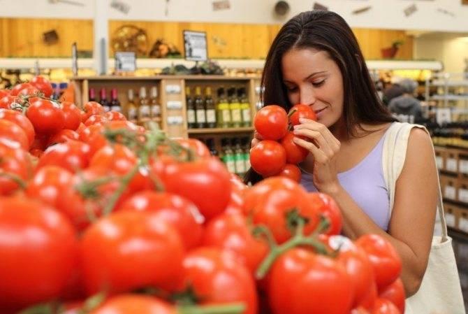 Свежие и соленые огурцы и помидоры при кормлении грудью