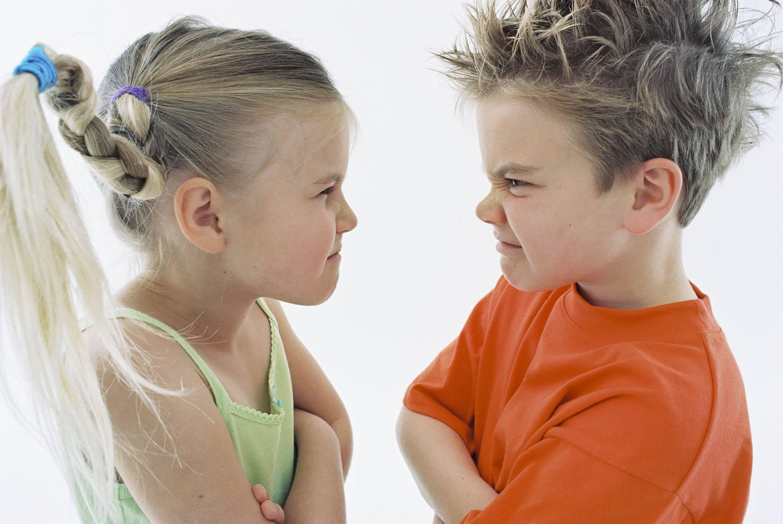 3 темы, которые никогда не нужно обсуждать со своими детьми