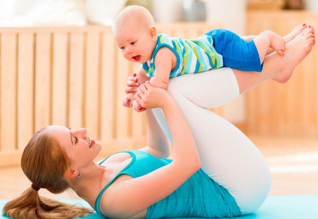 Фитнес для мамы с ребёнком дома: как совместить приятное с полезным – мамульчик