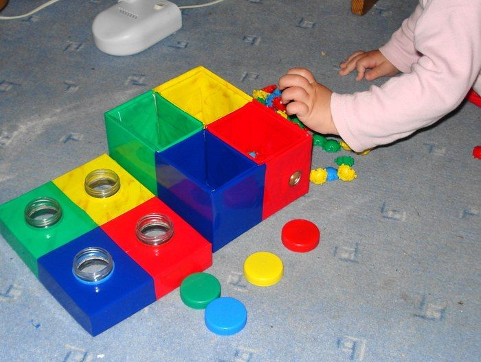 Игры с предметами для детей 1-3 лет