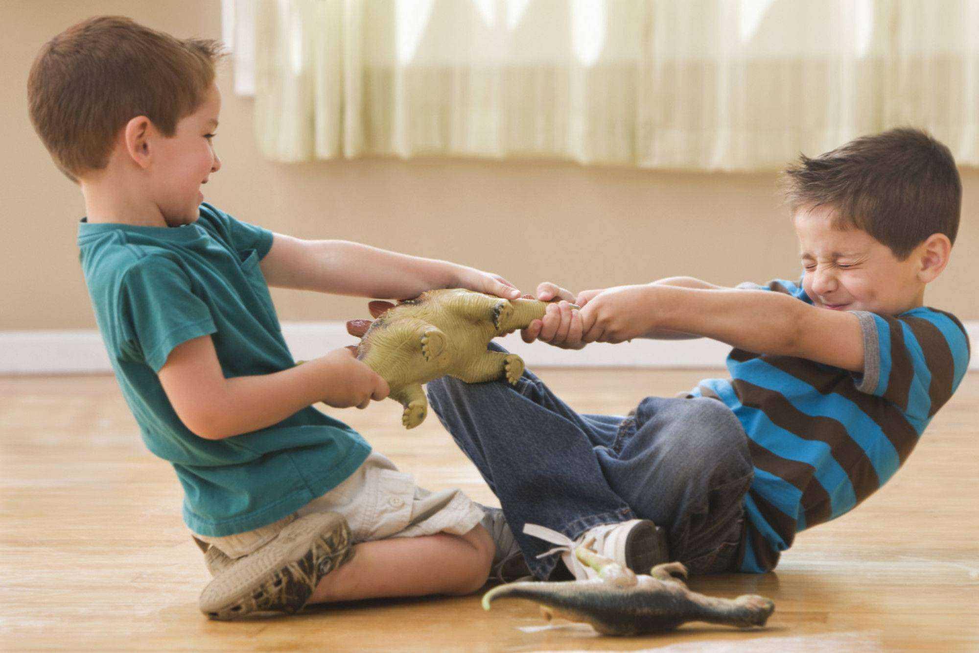 Травля ребенка: что делать, если с ребенком не дружат в школе?
