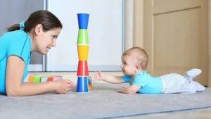 Развитие ребенка в 7 месяцев — рост и вес мальчика или девочки, чему учить малыша, режим дня и питание