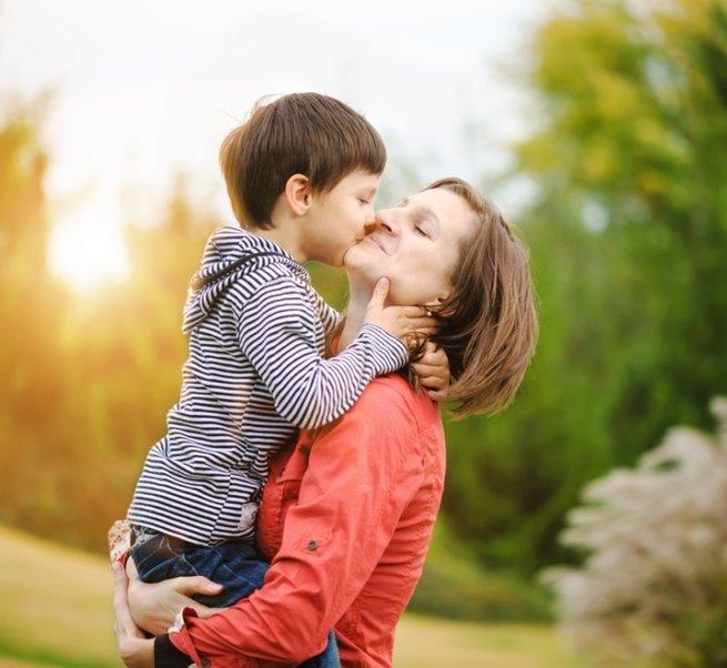 Воспитание сына: 7 золотых правил для мам мальчиков