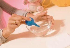 Как сделать клизму грудничку в домашних условиях