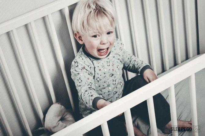 Ребенок 2 года плохо спит ночью: что делать, советы комаровского
