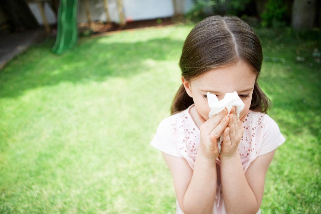 Аллергический ринит у детей — симптомы и лечение