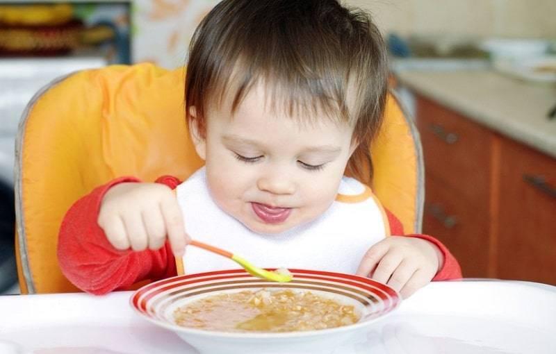 Вводим в рацион ребенка супы на мясном бульоне