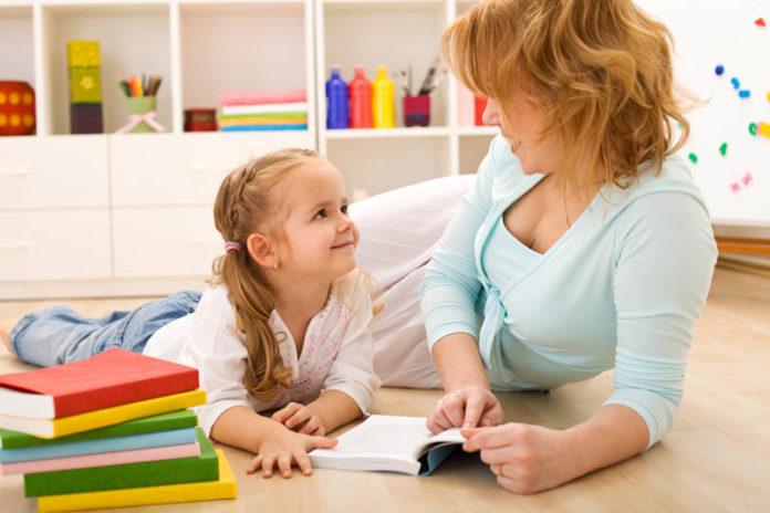 С какого возраста можно оставлять ребенка с бабушкой или няней? | дочки матери