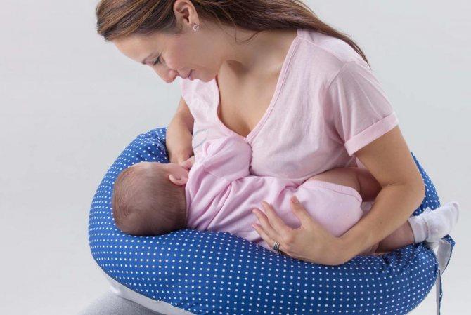 Позы для кормления грудью: топ-8 поз с фото и видео