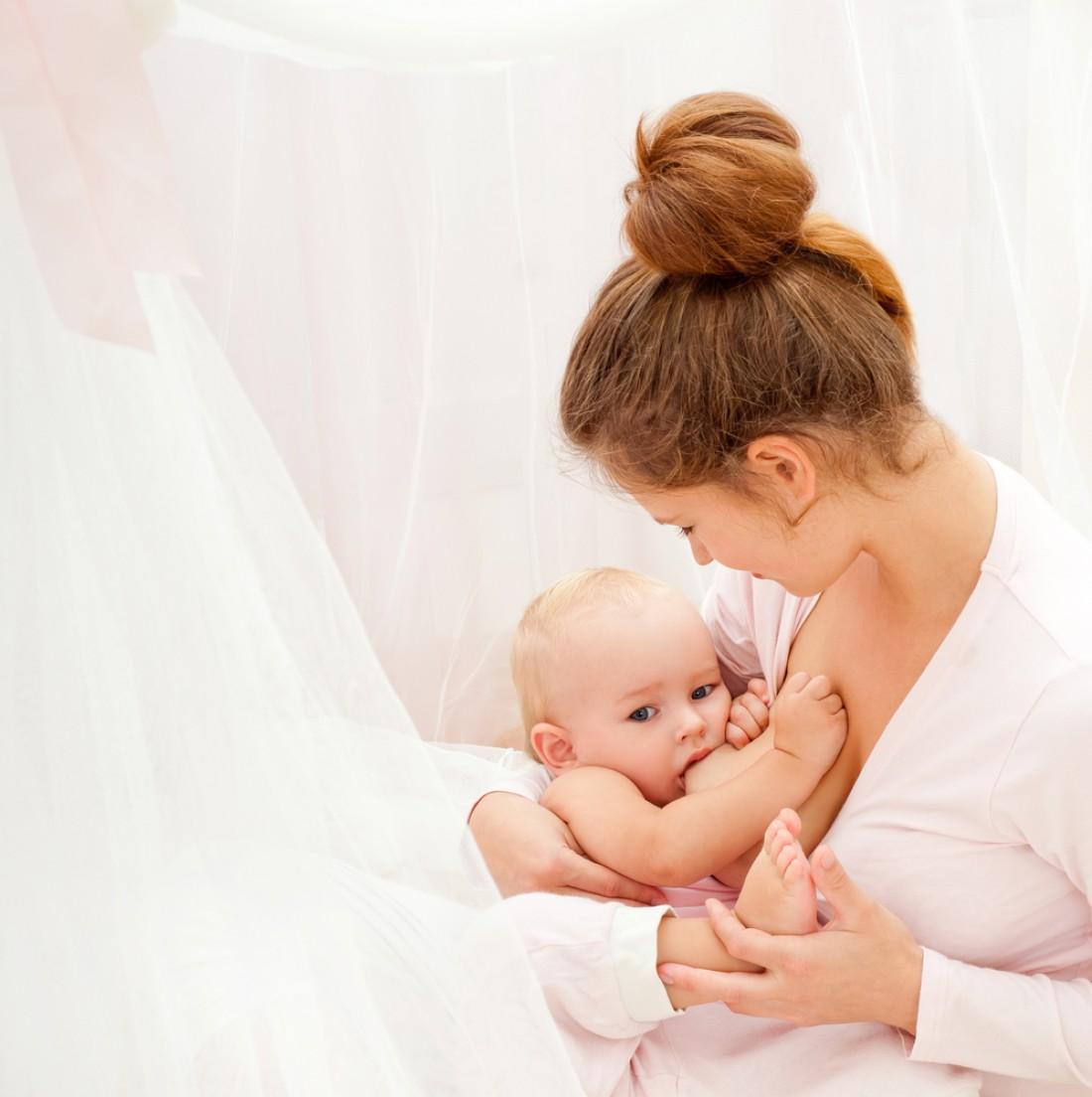 Кормление новорождённого ребёнка   уроки для мам