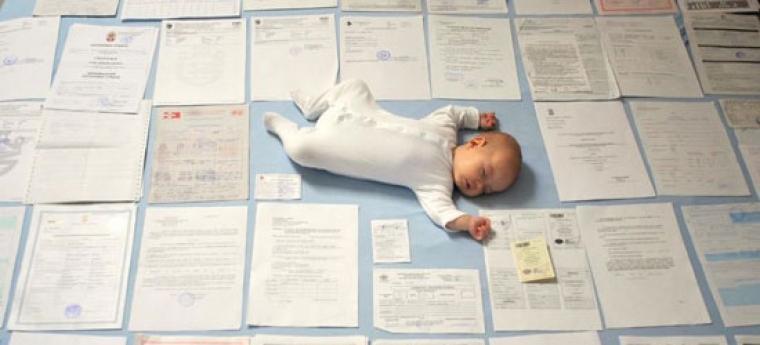 Усыновление ребенка из роддома: что нужно сделать и как договориться с директором, документы и требования