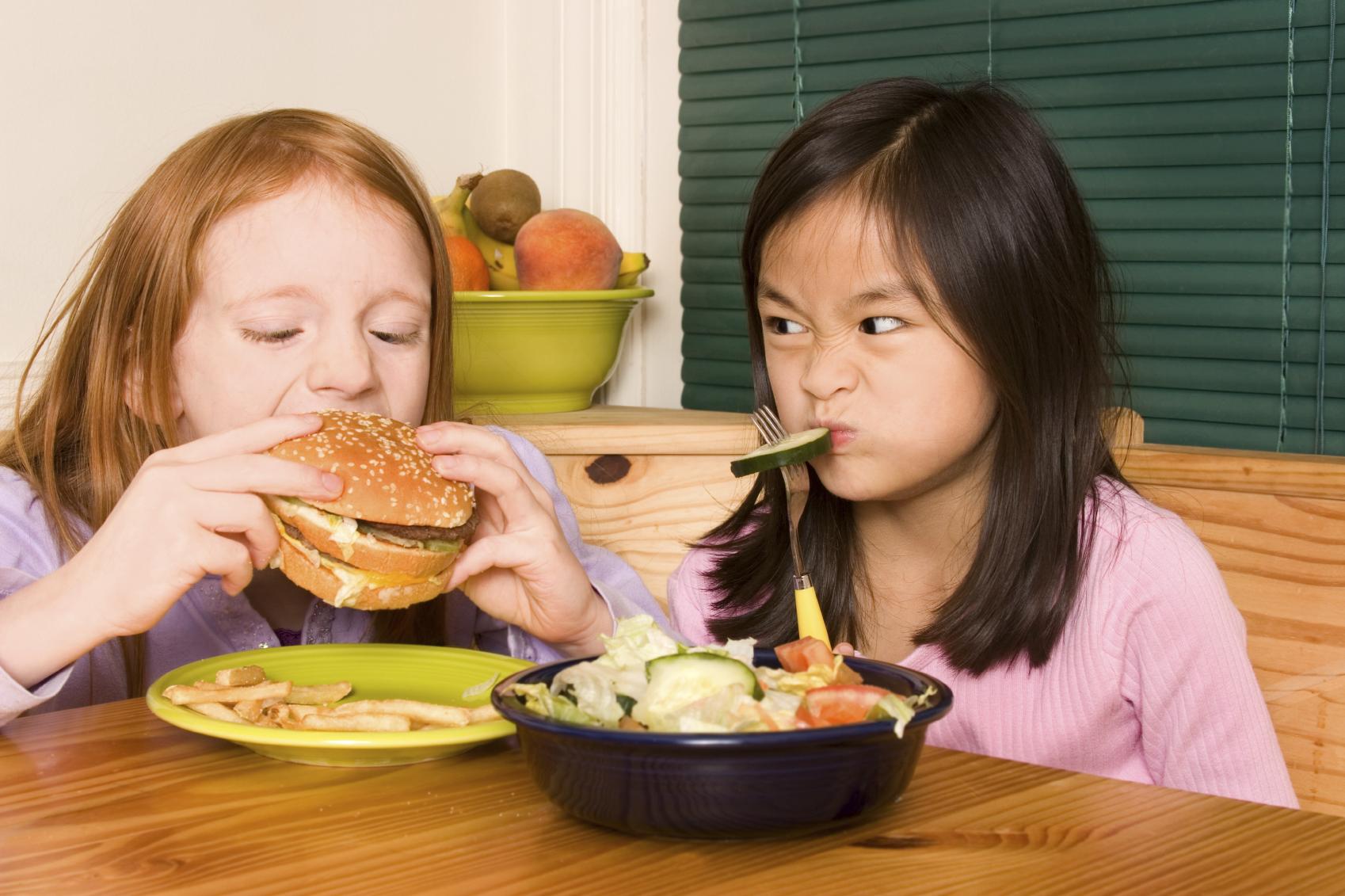 Опасный прикорм: топ-5 ошибок родителей