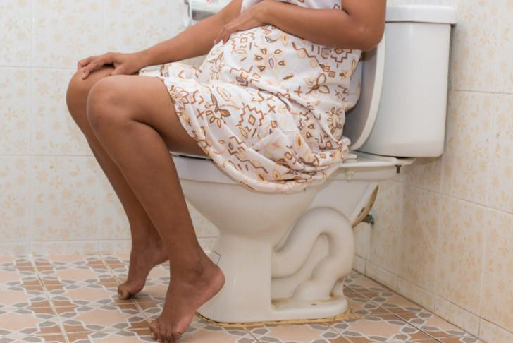 Запор перед родами: чем опасен, как лечить, методы профилактики