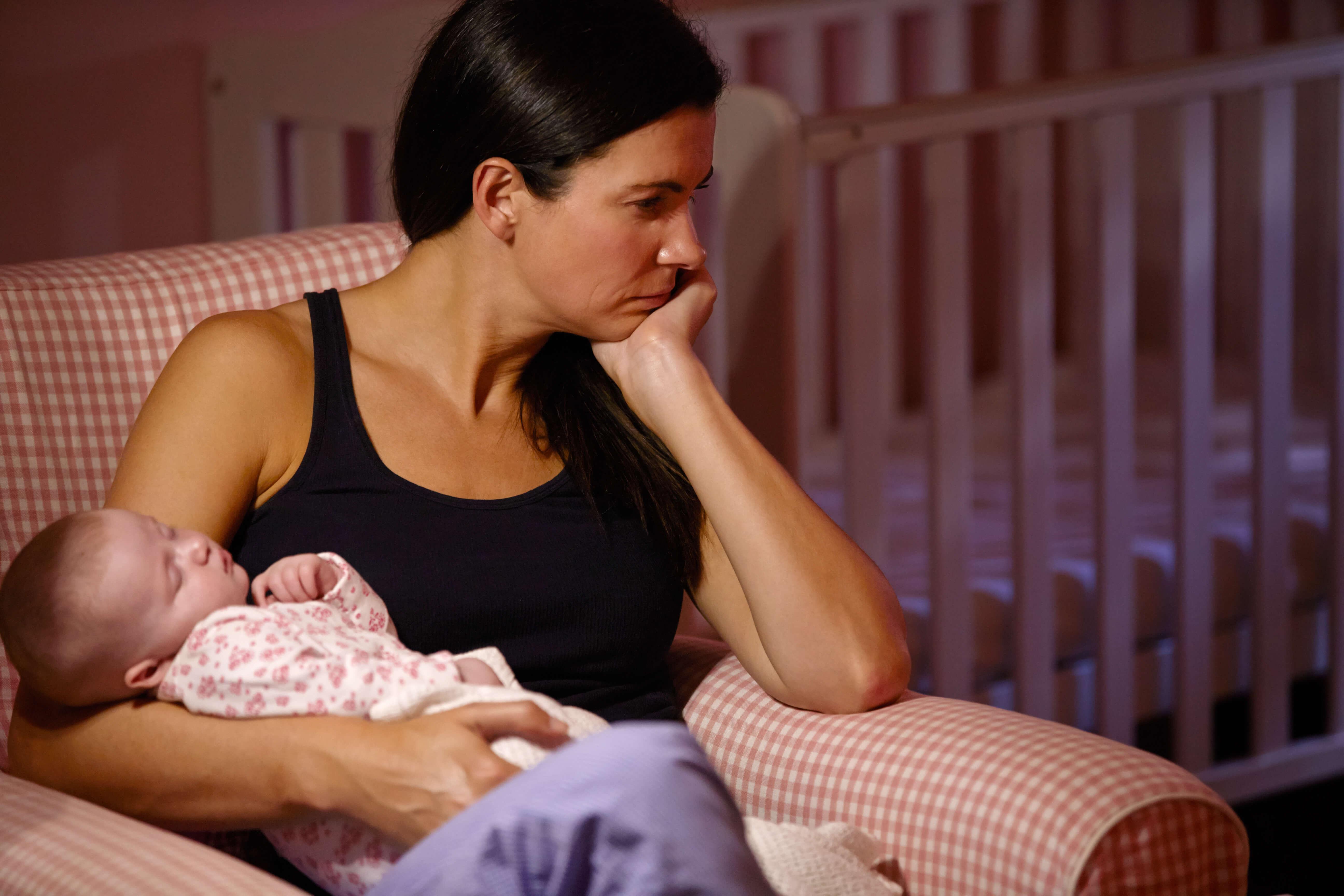 6 худших советов, которые можно дать маме в послеродовой депрессии