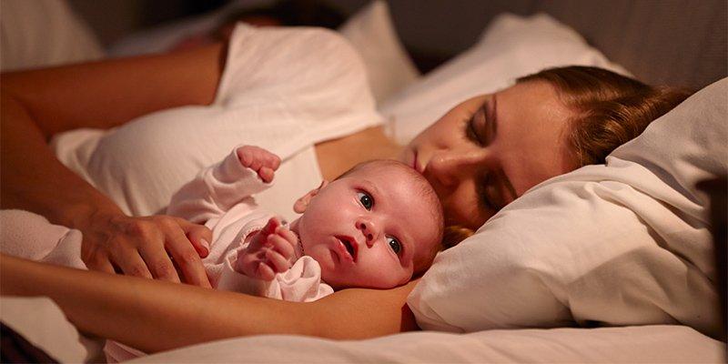 Новорожденный или грудничок много спит: повод для радости или беспокойства?