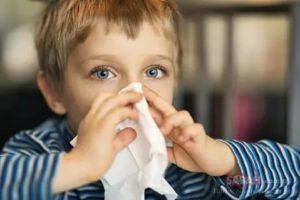 Лечение ребенка при первых признаках простуды по комаровскому