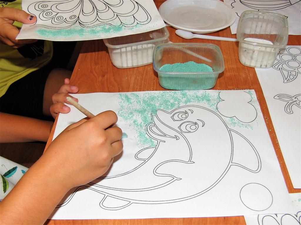Инновационная деятельность в комплексном развитии детей «рисуем цветным песком»