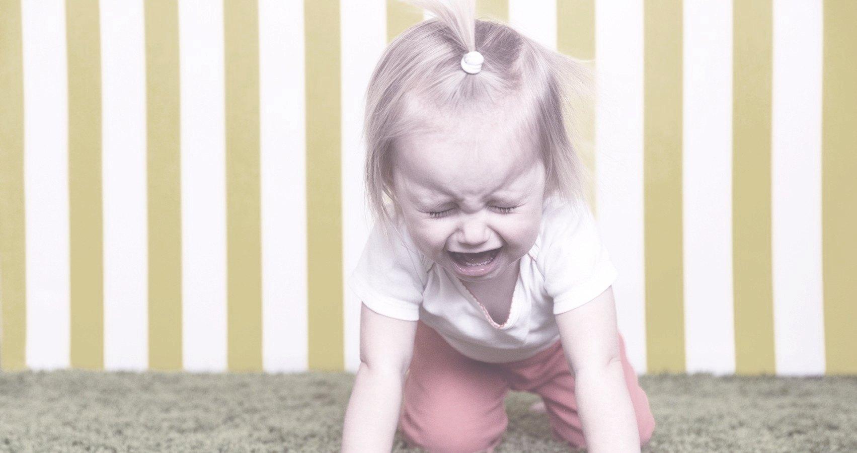 Как быстро прекратить у ребёнка детскую истерику?