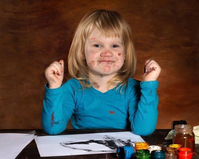 Ребенок рисует черным цветом: что это значит