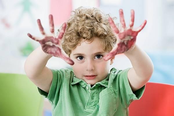 Как справиться с гиперактивным ребенком? как засадить его учиться?
