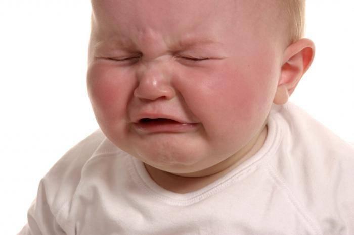 У новорожденного трясется подбородок: почему возникает тремор нижней губы у грудничка при плаче и не только