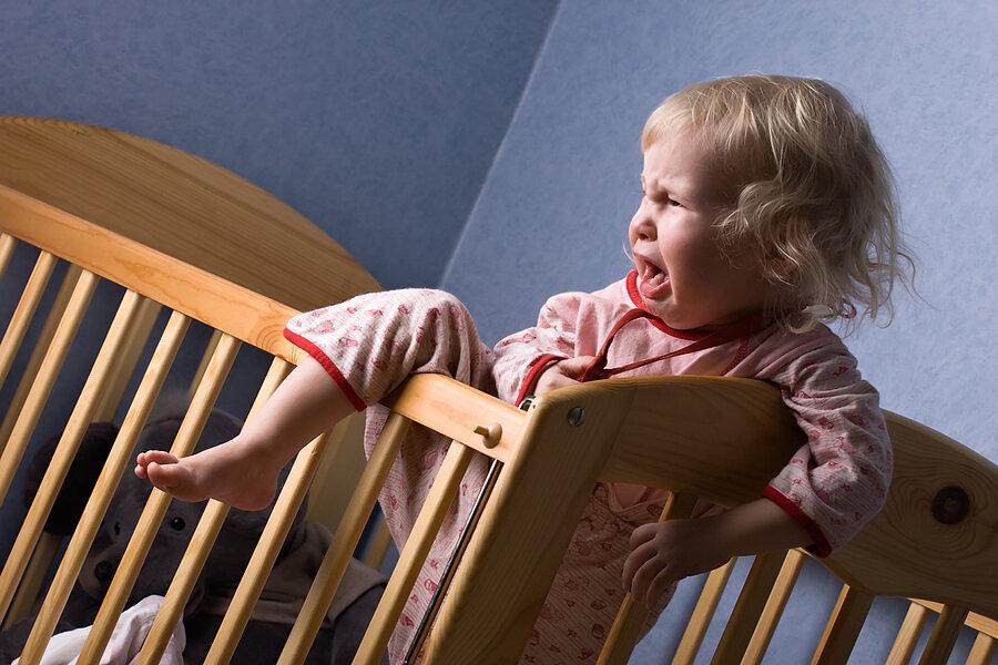 Как приучить ребенка спать в своей кроватке: приучаем малыша засыпать отдельно