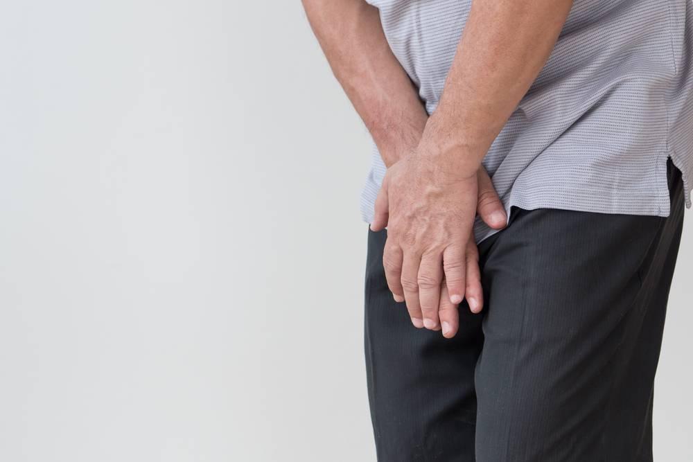 Проблемы у мальчиков с половыми органами. у сына боль в яичке