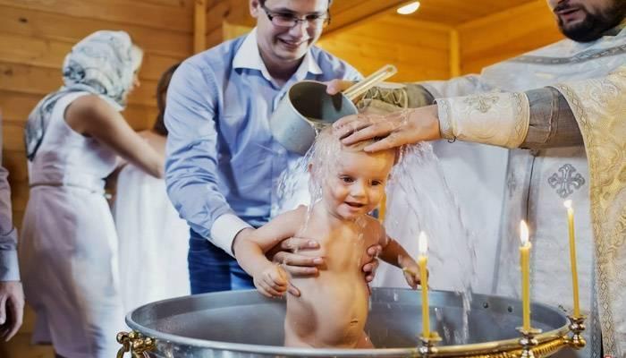 Как выбрать крестных родителей и какое их предназначение?