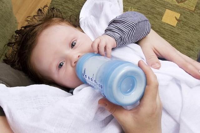 Как отучить ребенка от ночных кормлений из бутылочки