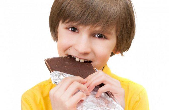 Можно ли давать детям сладкое: с какого возраста давать конфеты, польза и вред - я здоров