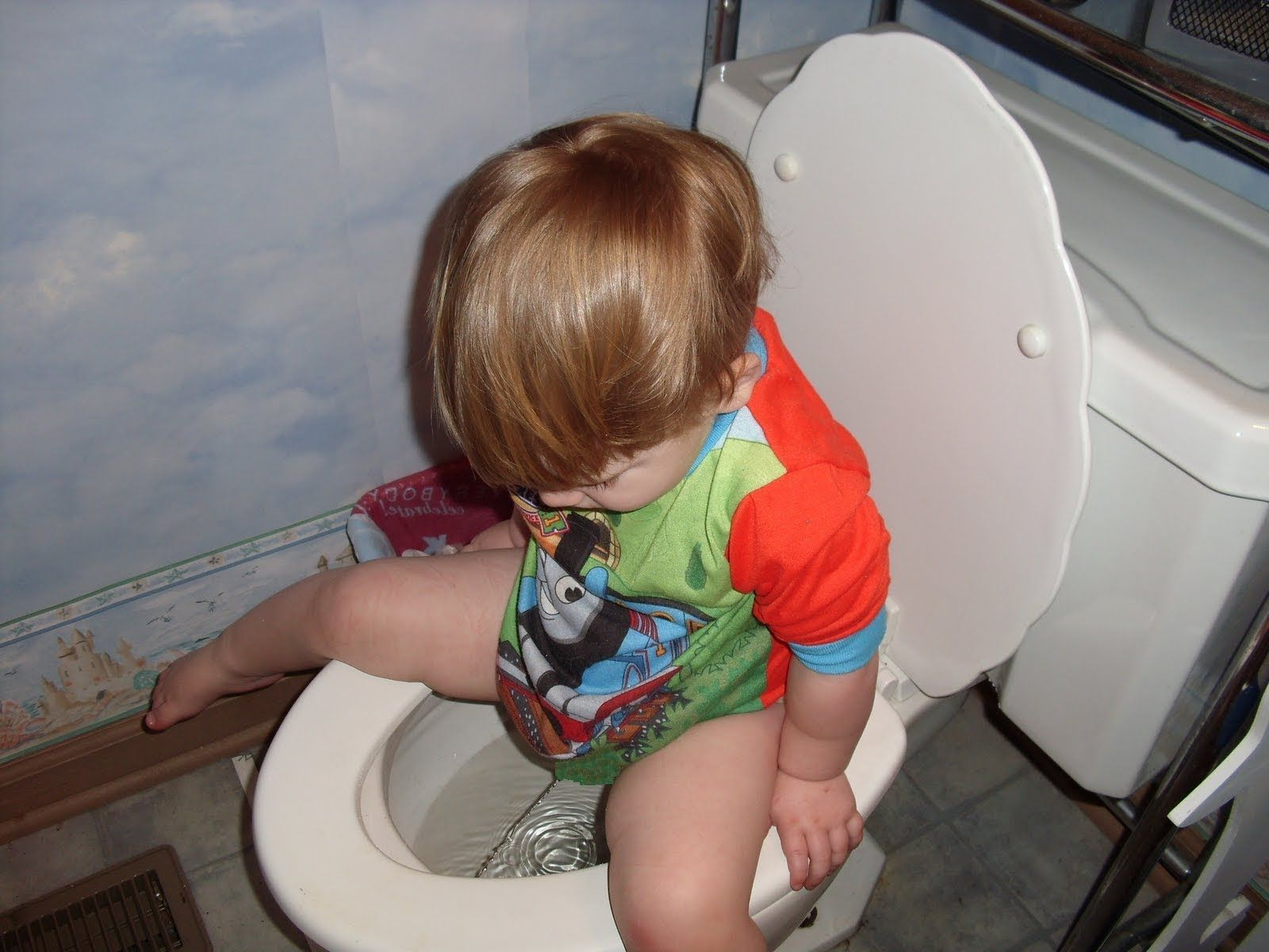 Психологический запор у ребенка в возрасте 2, 3, 4 лет: что делать с копростазом на неврной почве?