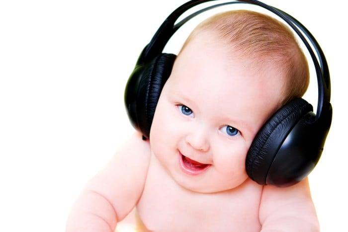 Музыка для младенца: как приучить новорожденного к искусству