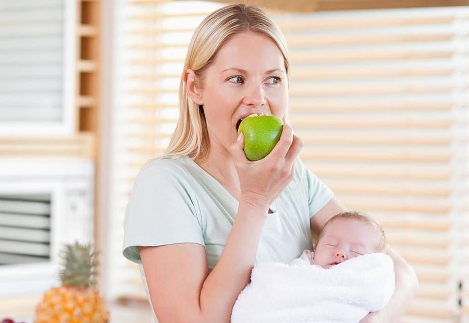 Можно ли арбуз в первый месяц при грудном вскармливании? какова польза и чего надо опасаться маме и ребенку?