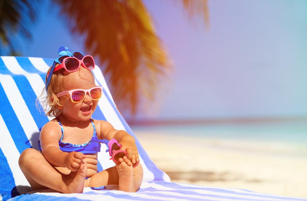С какого возраста можно брать ребенка на море?