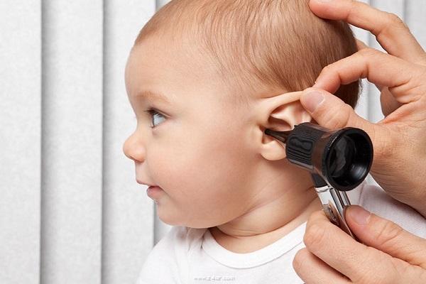 Если у ребенка 10 лет болит ухо чем лечить в домашних условиях