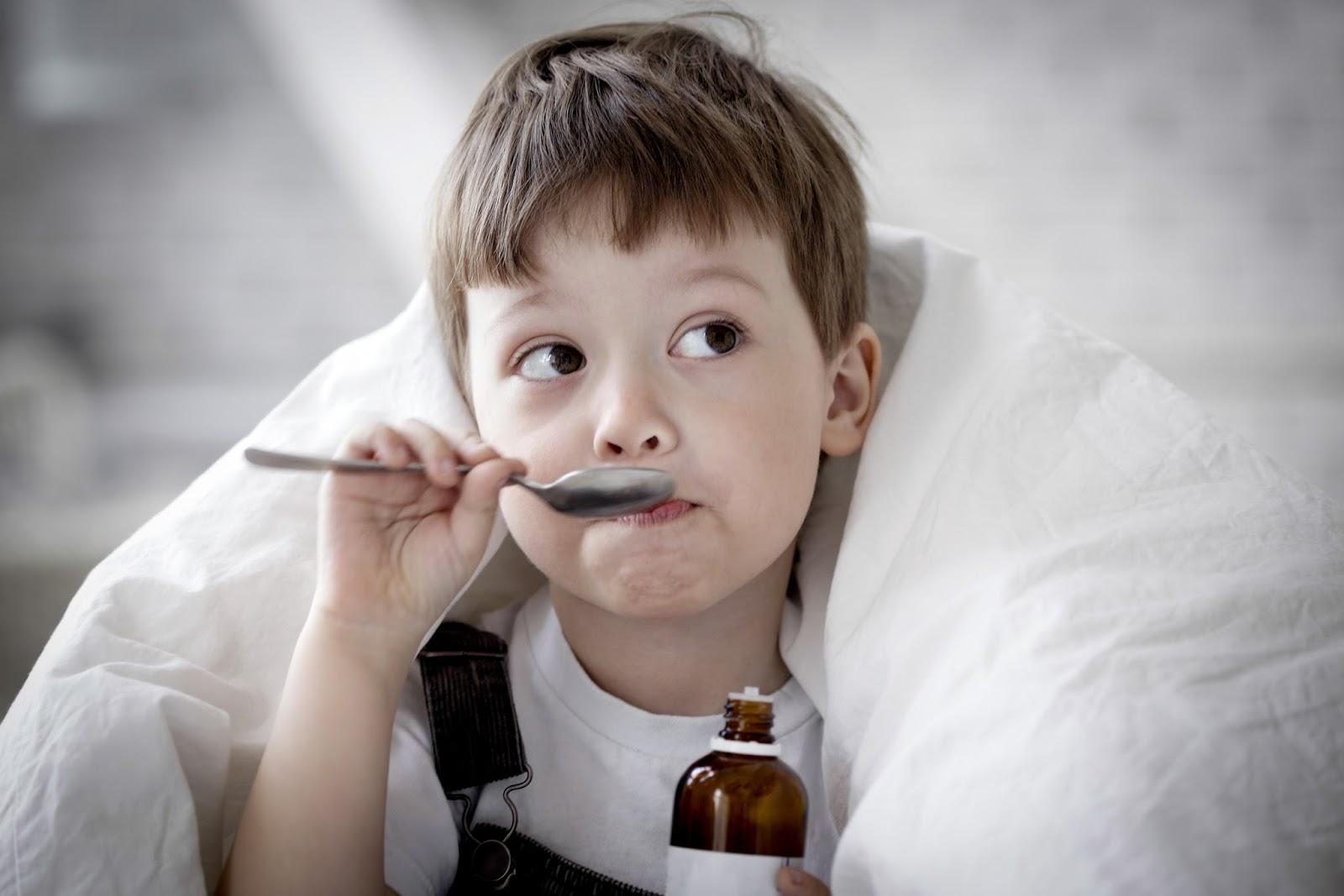 Ночной кашель у ребенка без температуры чем лечить и как помочь