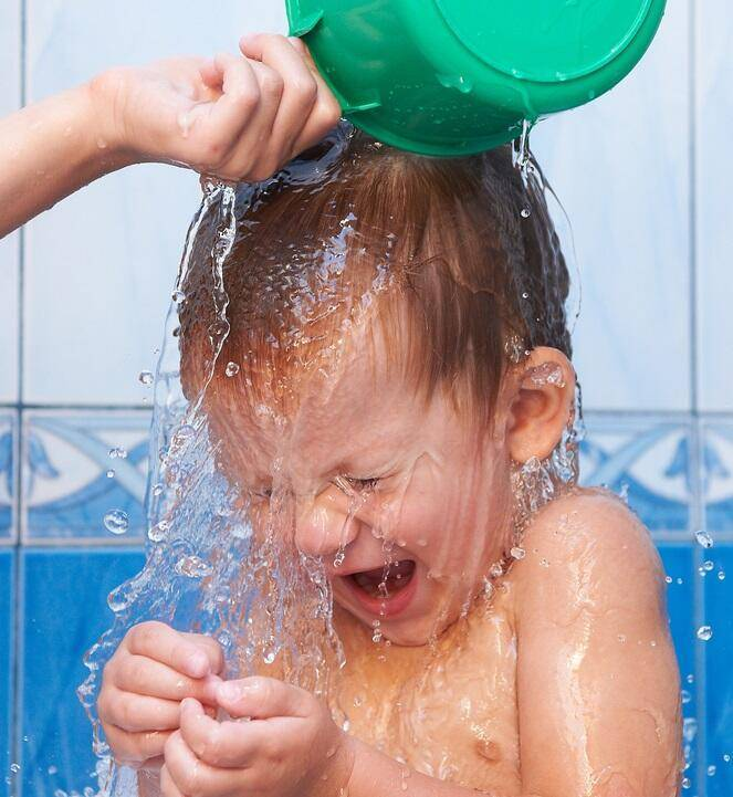 Что делать родителям, если ребенок до истерики боится моря?